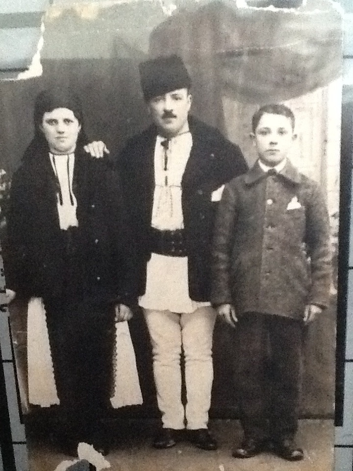 parents of Leonora Binson are Ana Popa and Eli Nanas in Tilisca Romania 7 Jan 1920 from Stacey Olsen